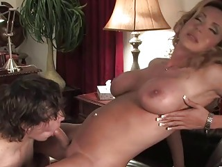 Busty mature shemale, insane ass and crazy oral