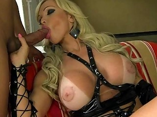 Blonde MILF tranny gets her anal canal plunged
