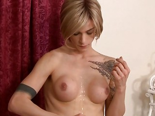 Mature babe Magdalene St Michaels dicked by shemale Nina Lawless