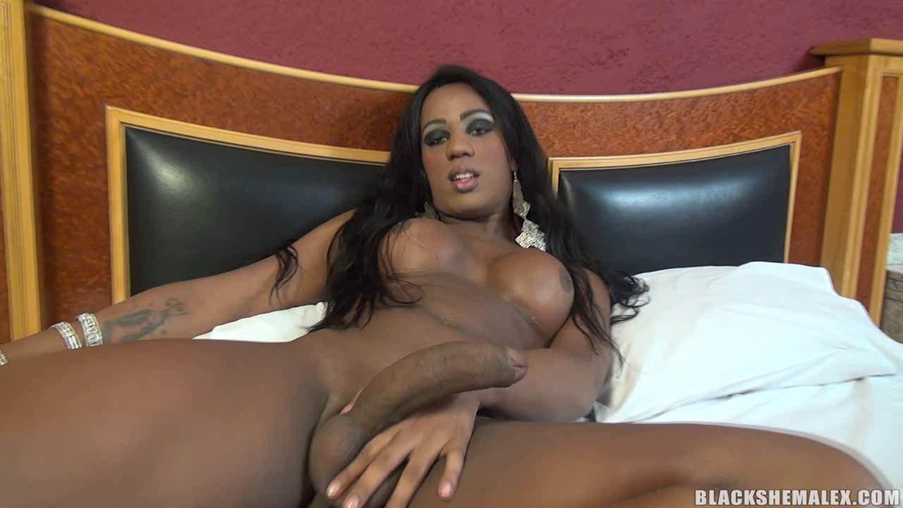 Black Shemale Fucks Guy Ass