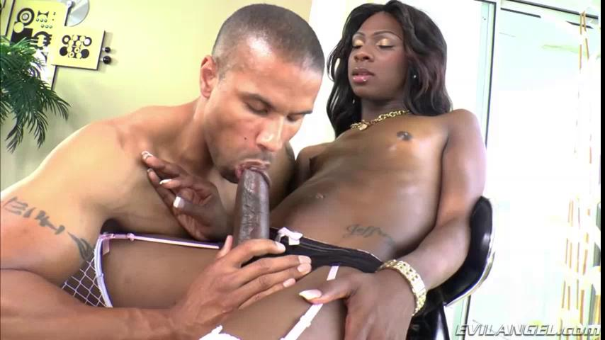 Ebony Shemale Jerking Off